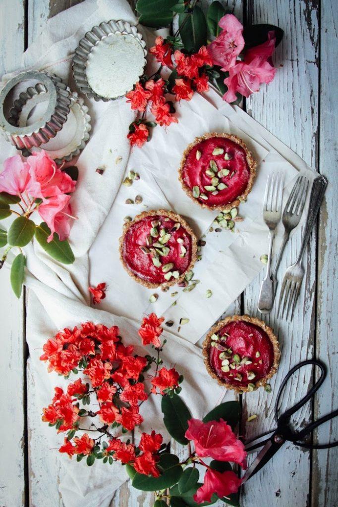 vegan raw beet tarts from rawsome vegan