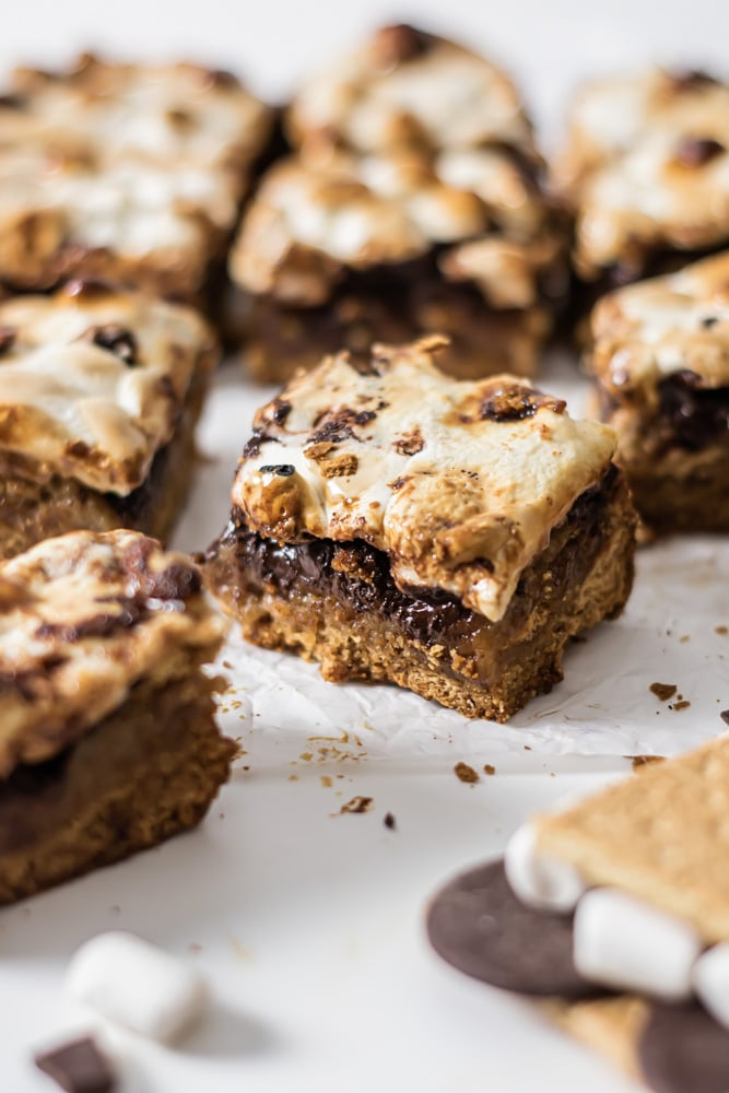 a nice shot of the layers of a smores blondie