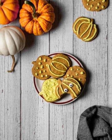 Plate of pumpkin cookies