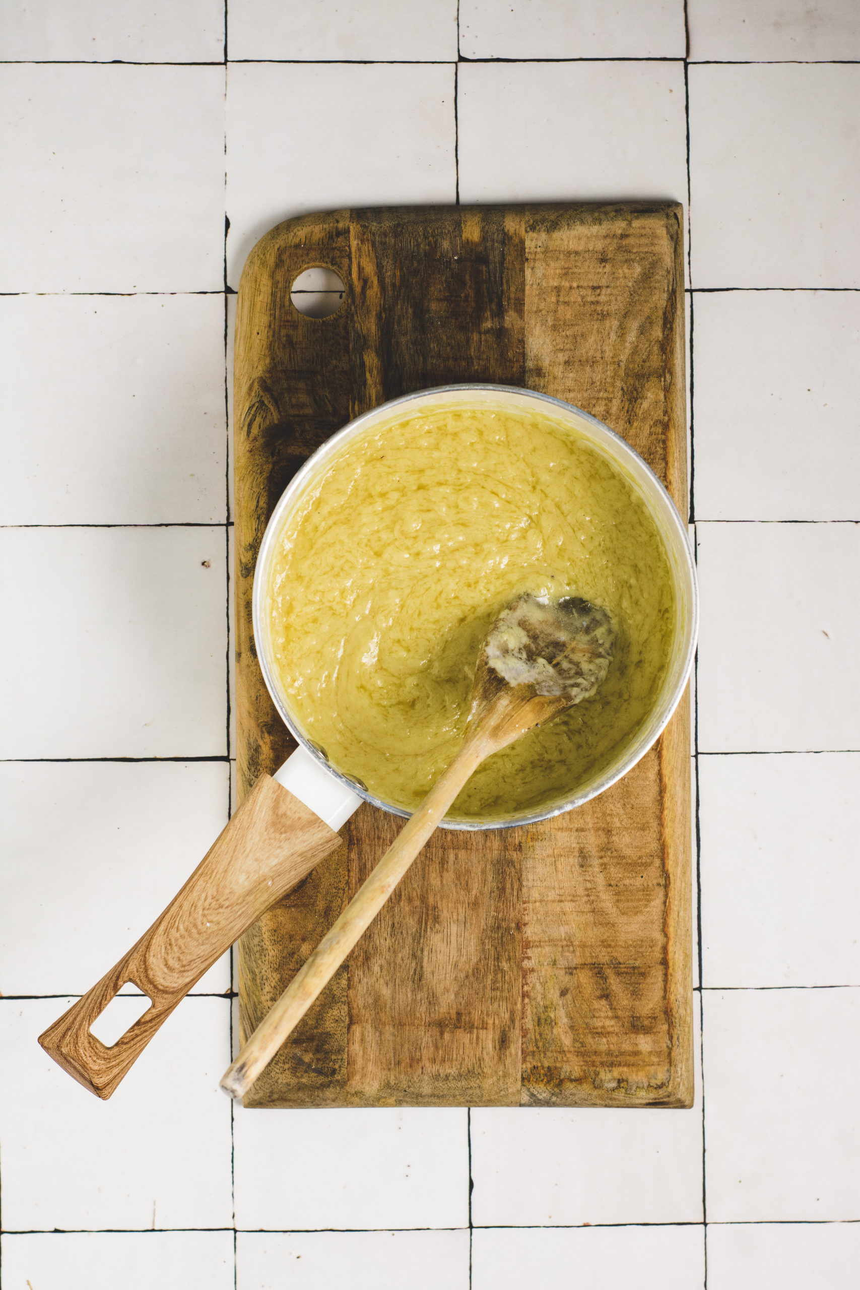 Vegan white cheddar sauce for vegan mashed cauliflower