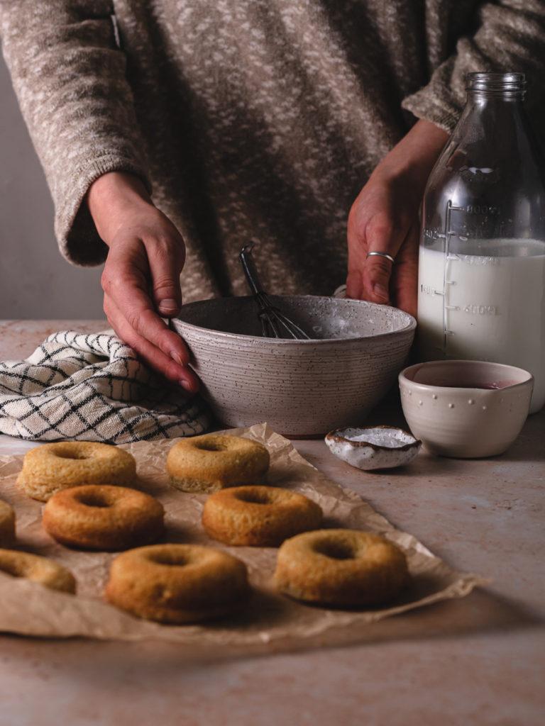 Preparing the vanilla glaze