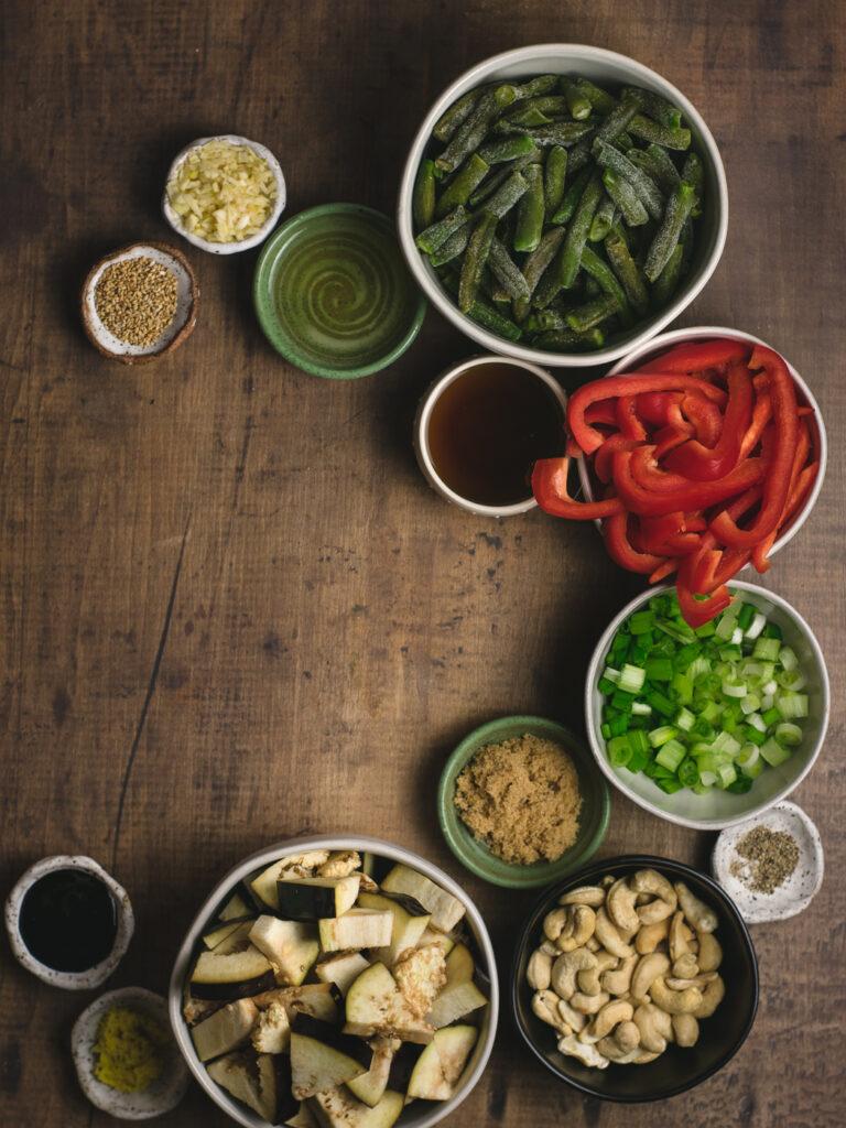 Ingredents to make eggplant stir fry