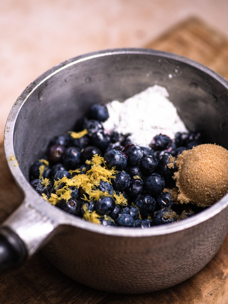 pot of bluberry compote